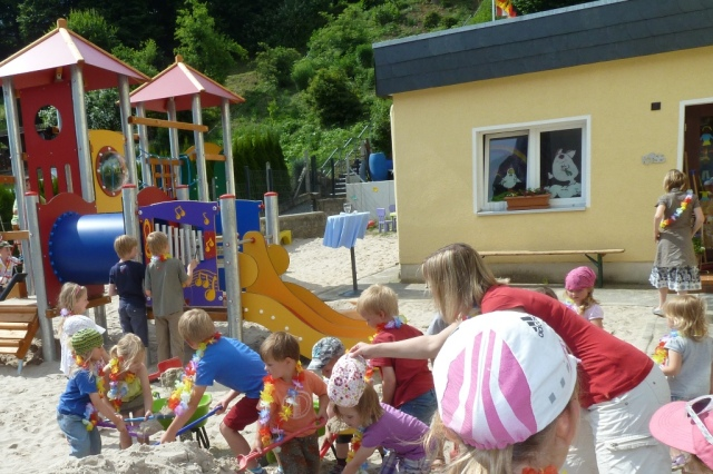 Kindergarten Drommershausen. Hier bei der Einweihung des neuen Spielplatzes im Jahre 2013.